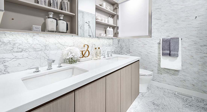 Extra sumptuous bathrooms at the Surrey Central Park Boulevard condominiums for sale.