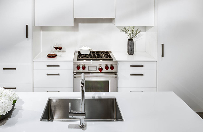 Ultra grand kitchens with premium finishes at Aperture Living.