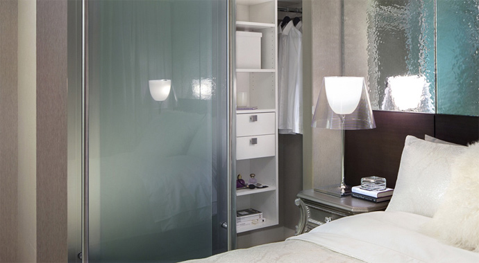 The bedrooms at THE MET high-rise residences.