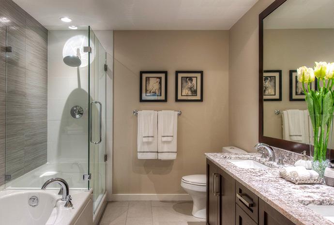 The beautiful bathrooms at the Waterstone Esplanade luxury condos