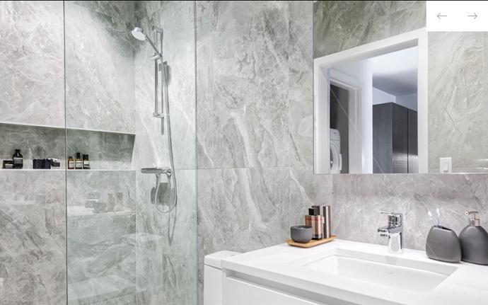 Paramount light colour scheme for bathroom